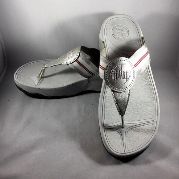 b9ddaf849ba867 FitFlops Silver Metallic Sandals Size 7